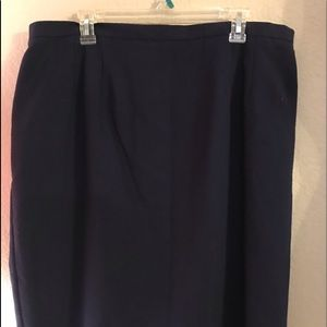 Requirements Woman Navy Blue Skirt. Size 20